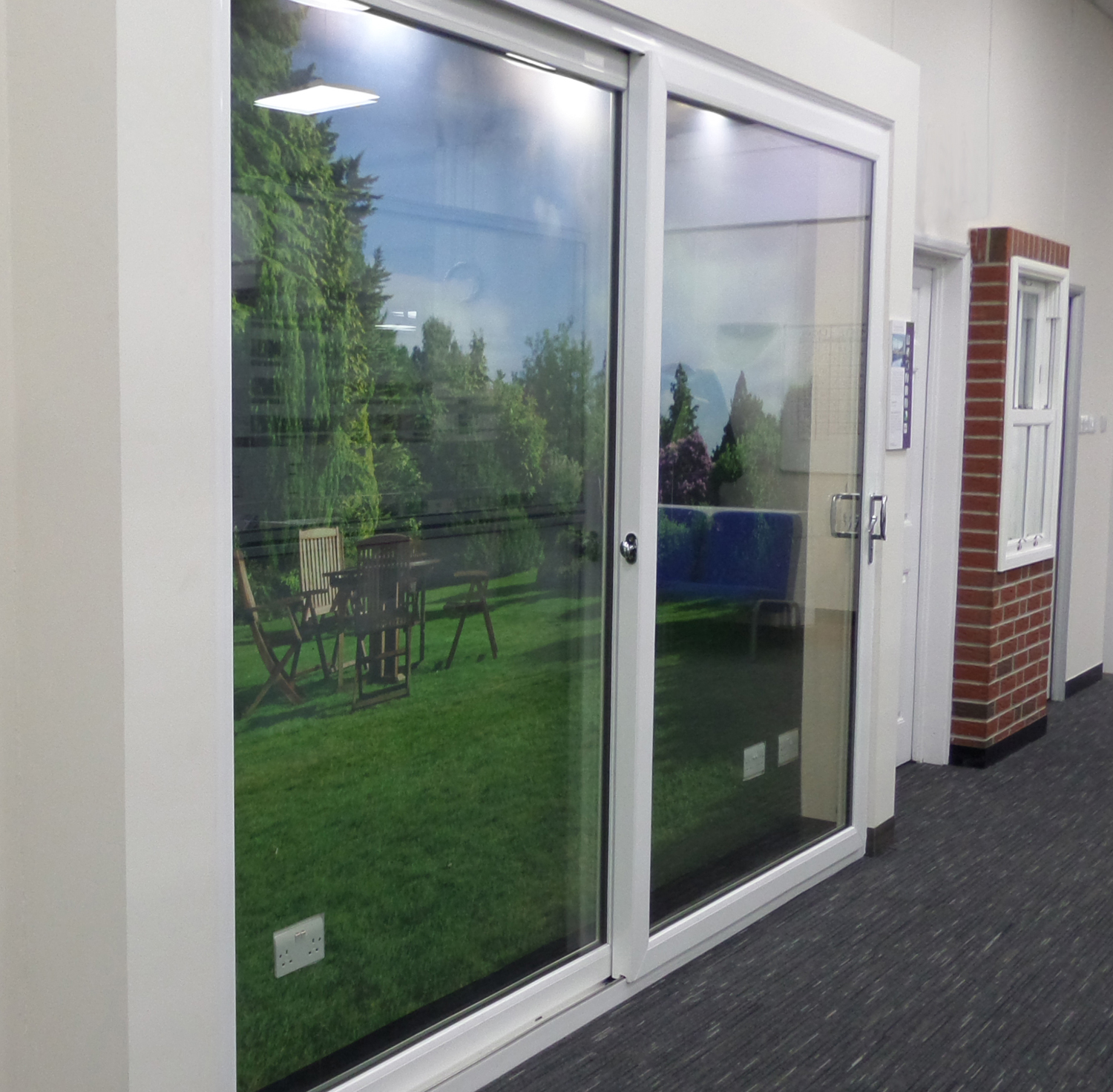 K mmerling chooses everglade for launch of first lifetime for Patio door companies